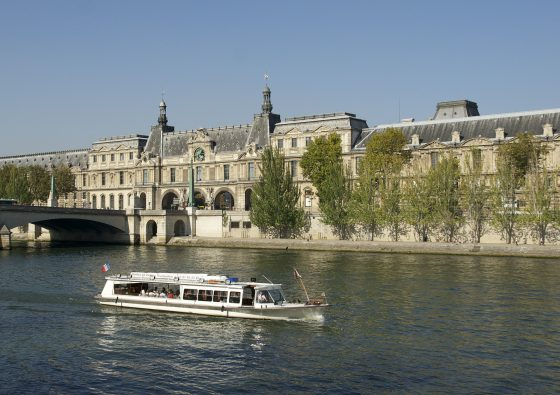 Cruise in Paris