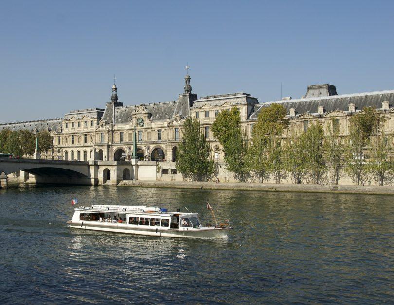 Cruise in Paris
