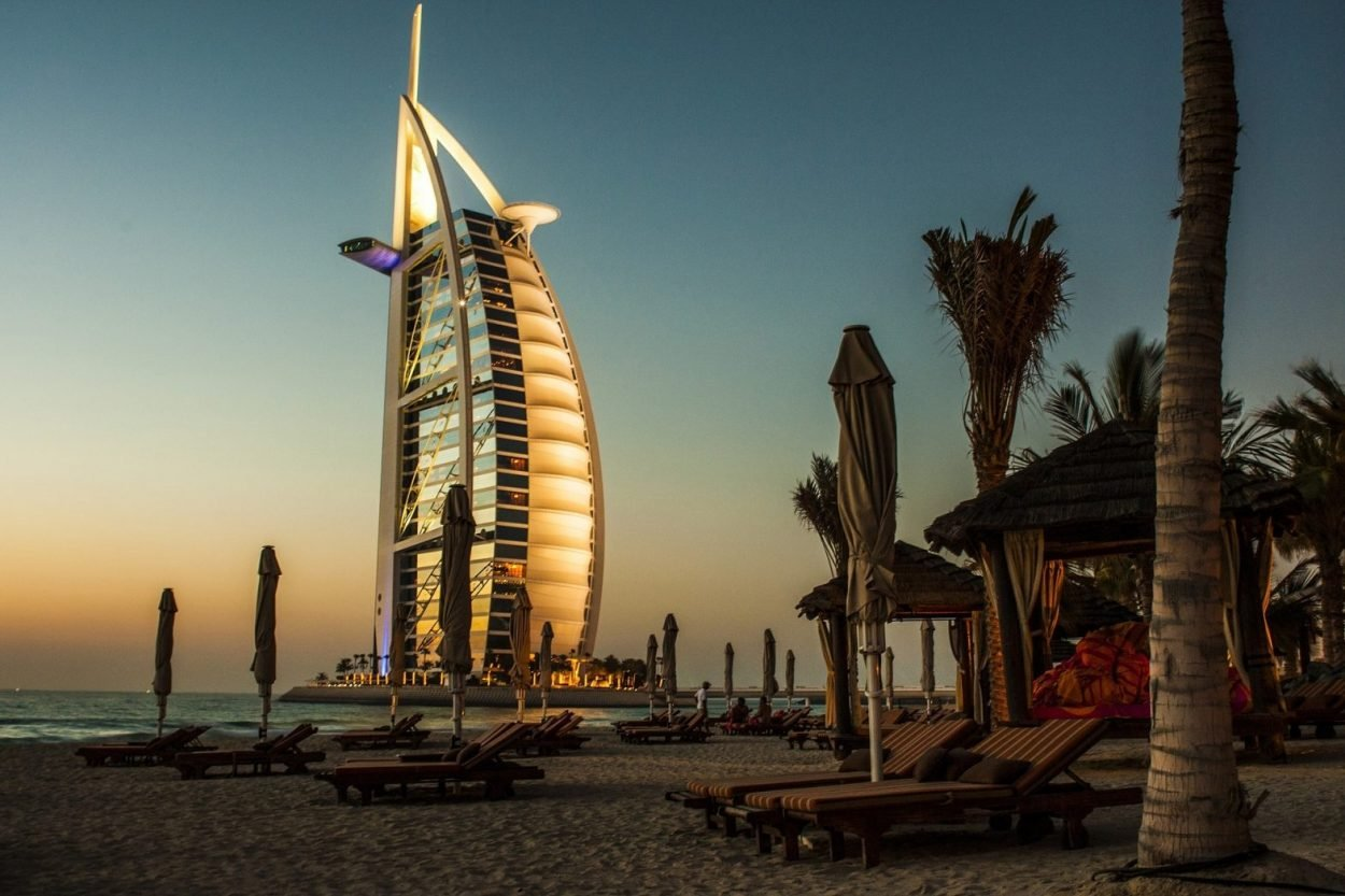 Cheap flights ticket to Dubai